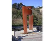 construcción escultura acero corten itxas lema