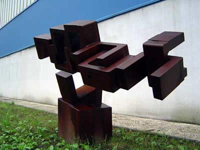 sculpture en acier corten inertie cosmique chaudronnerie leorpe. Black Bedroom Furniture Sets. Home Design Ideas